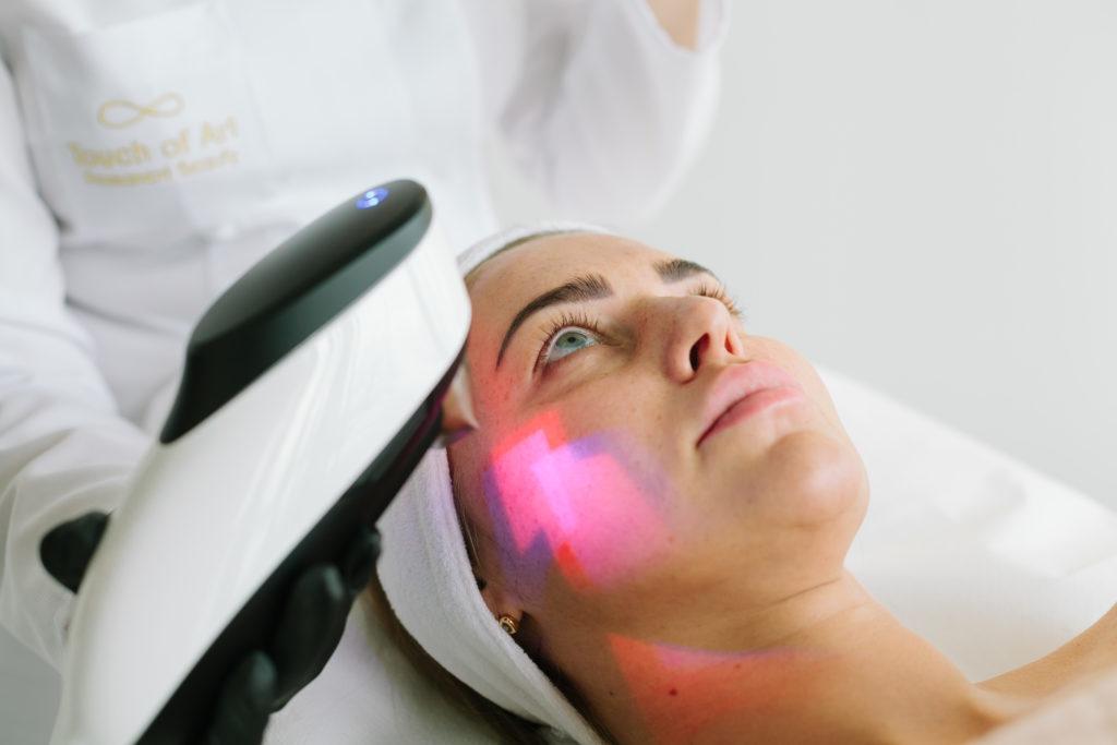 Piękno w dobie koronawirusa. Laser ablacyjny- czy może być bezpieczny i efektywny?